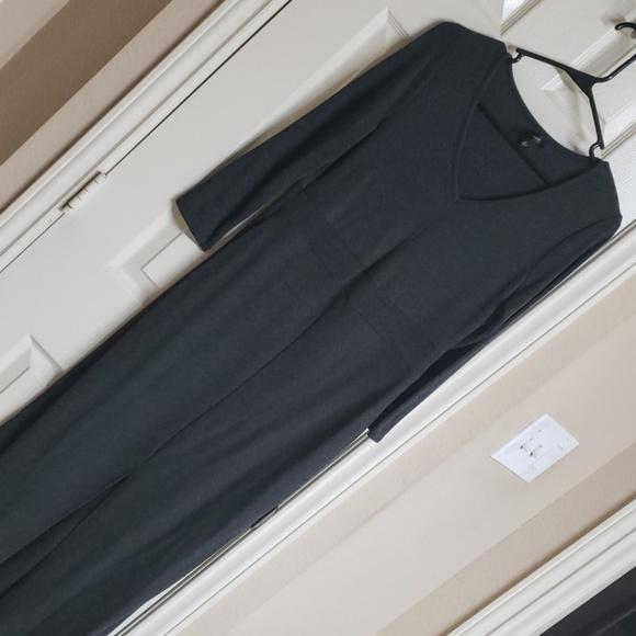 Dresses & Skirts - Long sleeve maxi dress with center split